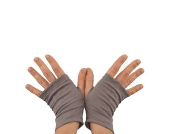 Arm Warmers in Reverie Pewter - Organic Cotton - Grey Beige - Shortie Fingerless Gloves