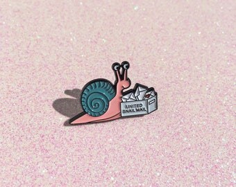 Snail Mail - Snail enamel pin, snail pin, cute pin, snail mail pin, calligraphy lover, lapel pin badge, pin, HibouDesigns