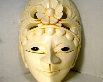 White Painted Wood Mask, 1980s, Wall Hanging Sculpture From Bali, Indonesia, Ethnic Tribal Folk Art Person