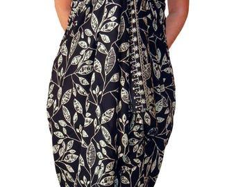 PLUS SIZE Women's Clothing Sarong Wrap Skirt or Dress - Black & Creamy White Beach Sarong Hawaiian Maile Leaves Batik Pareo - Plus Swimwear