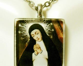 Our Lady of Solitude pendant with chain - GP02-164