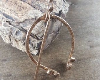 Viking Penannular Pin. Large Rustic Brooch. Hand Forged Celtic Scarf Pin, Antique Bronze Metal Cloak Pin. Viking Brooch. Scroll Details.