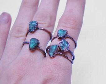 Raw apatite ring, blue apatite ring, rough apatite ring, raw gemstone ring, blue  crystal ring, apatite copper ring, boho stacking ring