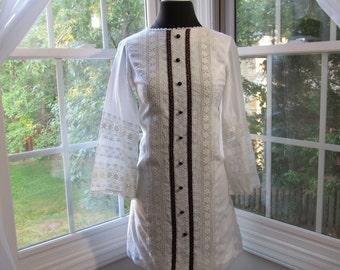 Vintage Girls, Teens, Petite 70s Pure White Boho Chic Tunic Dress