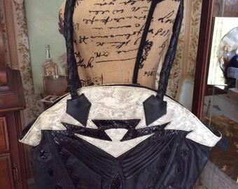Vintage 1980s Purse Shoulder Bag Messenger Bag HUGE Black Leather & Lizard By Marty Fuerst Detroit De Luigi By Luis Fully Lined