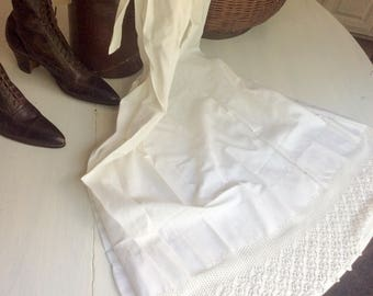 Antique Linen, Long Apron, Vintage Clothing, White Linen Apron with Crocheted Bottom, Hand Stitched, Kitchen Decor, Dining