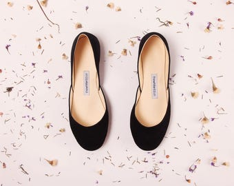 The Nubuck Ballet Flats in Black | Black Nubuck Leather Women's Shoes | Minimalist Shoes in Black Nubuck