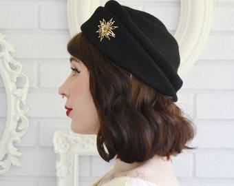 Vintage 1940s Black Wool Hat with Golden Starburst Flower Brooch by Lillian Charm