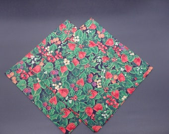 Flowers & Fruit, Christmas Dinner Napkins, Holiday Napkins, Floral Napkins, Hostess Gifts, Newlywed Gifts, Set of 2