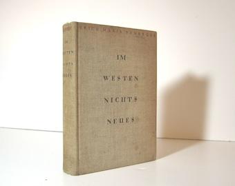 Im Westen Nichts Neues von Erich Maria Remarque First Edition Later Printing, All Quiet on the Western Front, 1929 Berlin, Hardcover Book