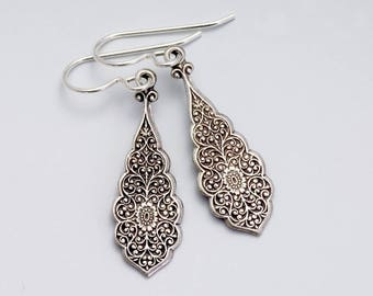 Antiqued Silver Filigree Jewelry, Hypoallergenic Brass Jewelry, Nickel Free Antiqued Brass Earrings, Silver Drop Earrings Light, Gerlinde