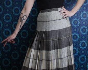 50's Reversible Kilt, Cream and Grey Wool Tartan Pleated Skirt, Size Small