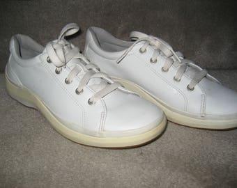 White Keds - Vegan Faux Leather  - Lace Up Tie Sneaker Shoes - Ladies Size 6