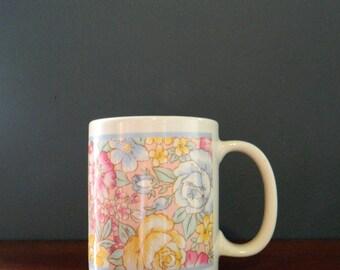 Pastel Floral Vintage Coffee Mug / 80s Pastel Bouquet Mug / Vintage Coffee Cup Boho Floral / 80s Pastel
