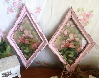 Shabby chic picture pair - Pink pictures - old vintage