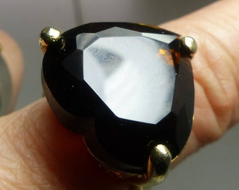 Brown Amber Quartz Heart Shaped Stone Ring. 10 grms, sz6 -GF-heart 20X20mm -stands 10mm high- 1973