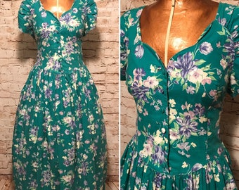 Vintage 1980s Laura Ashley Dress // 80s Floral Print Fit and Flare Dress // size small S