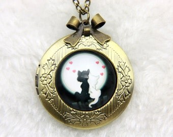 Necklace locket two cats in love 2020m