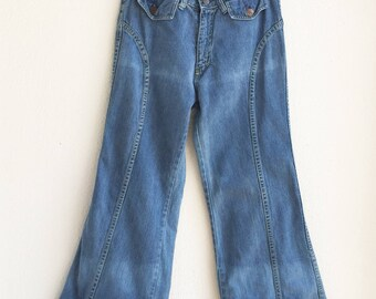 Vintage 70's Unique Light Denim Low Waisted Bell Bottom Jeans size 27 x 30