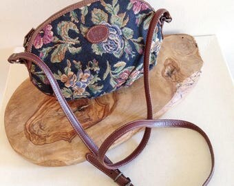 Vintage 1980s Tapestry Carpet Crossbody Bag Purse