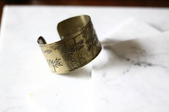 1970s brass etched cuff // cuff bracelet // vintage jewlery