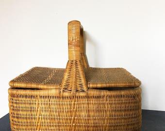 Vintage  Wicker basket  - Mid century Picnic Basket - Wedding Gift - Woven Wicker - Bridal gift
