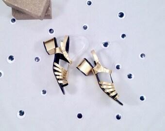 70s gold sandals / 7 - 37.5 / strappy sandals / block heel sandal / metallic sandals / gold strappy sandals / low heel sandal / minimal