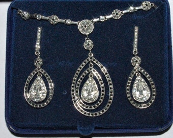 Jackie Kennedy Teardrop SET - Platinum Plated and Crystals with Box and Certificate
