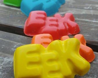 Halloween EEK Crayons set of 40 - Halloween Crayons - Halloween Treats - Halloween Favors - Halloween Party