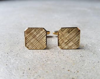 Vintage Square Cufflinks 18K 750 Yellow Gold Engraved Milano Italy, 466MI-750