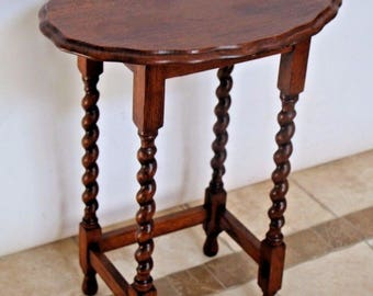 Antique Oval Oak accent side Table Barley Twist Legs Safe nationwide shipping available please call for rates