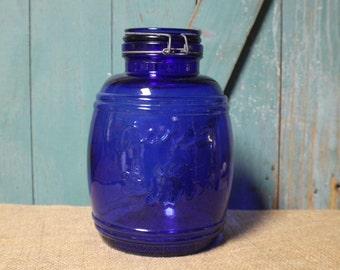 Vintage Cobalt Blue Glass Apothecary Jar, Baril de Fruits Large Covered Jar