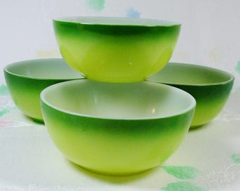 4 Vintage Kitchen Chili Cereal Bowls Two Tone Yellow Green 1950s Hazel Atlas Platonite