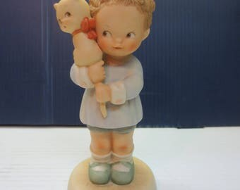 "1987 Enesco Memories of Yesterday Figurine ""Hang On To Your Luck"" 114510"