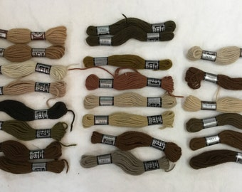 DMC Tapestry Thread 22 Skeins Tapestry Wool Various Colors Vintage Laine Tapisserie Free Shipping