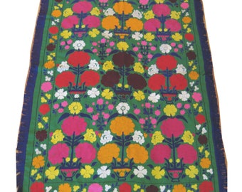 Green vintage Suzani embroidery with floral border & fringe  3.5' x 5.5'  (#3)