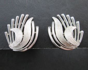 Vintage Crown Trifari Silver Tn Wings or Leaves Earrings Mid Century Signed Clip On