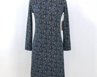 Straight fit dress - Womens dress - Long sleeves - Comfortable - Knit - Soft - Pattern - Turtle neck - Belt - Galaxie Geometric