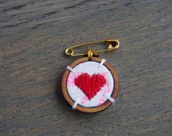 Embroidered heart brooch