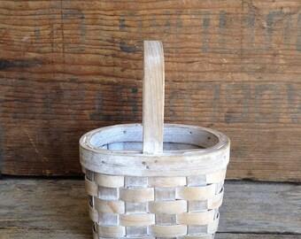 Small Vintage Woven Basket. Vintage Basket. Woven Basket. Small Woven Basket. Small Vintage Basket. Farmhouse Basket. Small Basket. Vintage.