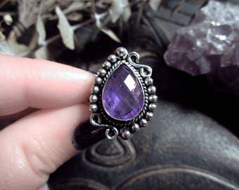 Amethyst Ring, Silver Plated Ring, Witch Ring, Purple Crystal Ring, Us size 9 Ring, Faceted Crystal