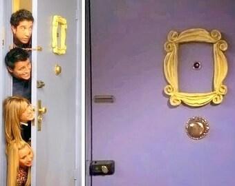 Marco mirilla Serie Friends. TV Show Friends Peephole Monica's apartment. Friends Serie.