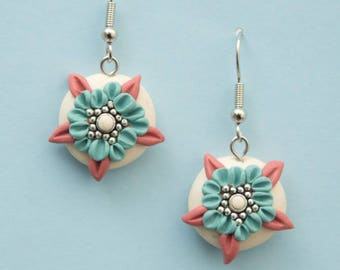 Polymer clay earrings, floral earrings, flower earrings, nature earrings, tender, romantic, boho style hippie, pastel earrings, delicate