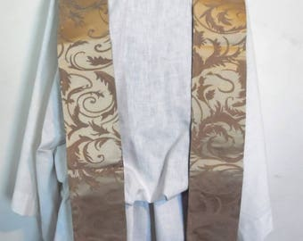 Special Buy~~Gold Celebration Time Clergy Stole