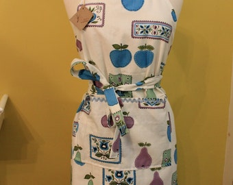 Apron/Full baking apron/Vintage fabric Dutch apron/Danish fabric apron/mid-cetury styled apron/apples/pears/flowers/ricrac trim/fully lined