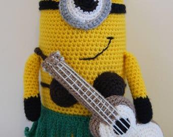 Crocheted hawaiian minion and his guitar by Liz