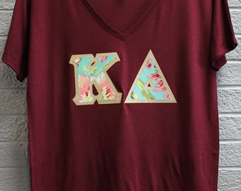Kappa Delta Maroon Bella Flowy V-Neck With Amy Butler Bliss Bouquet on Gold Metallic (254C)