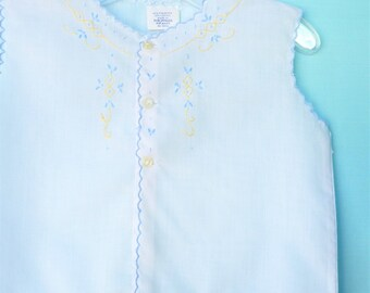 Vintage 70's Infant Girls White  Diaper Shirt  w/Blue & Yellow Embroidery   6-9 Months