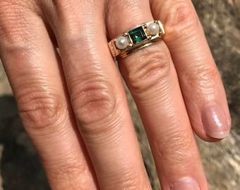 A Tourmaline and Cultured Pearl Ring