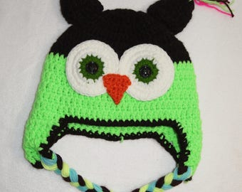 size 4-5 Noen GREEN & BLACK Crochet OWL Hat big green eyes